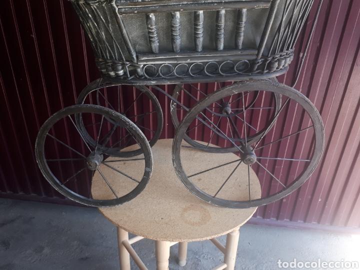 Juguetes antiguos y Juegos de colección: Antiguo carro carrito muñecas madera forja y tela - Foto 8 - 177636883