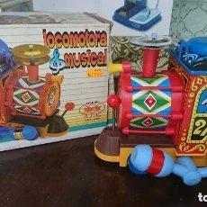 Juguetes antiguos y Juegos de colección: OCASION COLECCIONISTAS JUGUETE ORIGINAL AÑOS 80 LOCOMOTORA MUSICAL TREN VAGON ELECTRONICO MARCA EGE. Lote 178059334