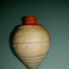 Juguetes antiguos y Juegos de colección: BONITA PEONZA MADERA Y PUNTA METAL REDONDA. Lote 178260240