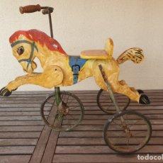 Juguetes antiguos y Juegos de colección: PRECIOSO Y ANTIGUO TRICICLO CABALLO DE MADERA Y HIERRO PARA QUE LOS MAS PEQUEÑOS SE DIVIERTAN. Lote 178762896