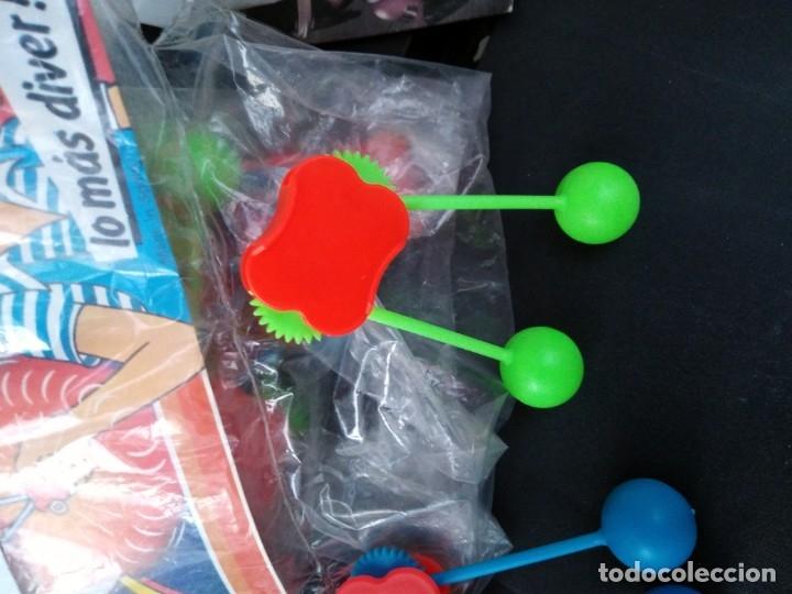 Juguetes antiguos y Juegos de colección: juego bolas taca taca kiosko años 70 - Foto 2 - 256098080