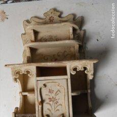 Juguetes antiguos y Juegos de colección: ANTIGUO MUEBLE COMEDOR DE JUGUETE, MADERA, IBI. Lote 182122583