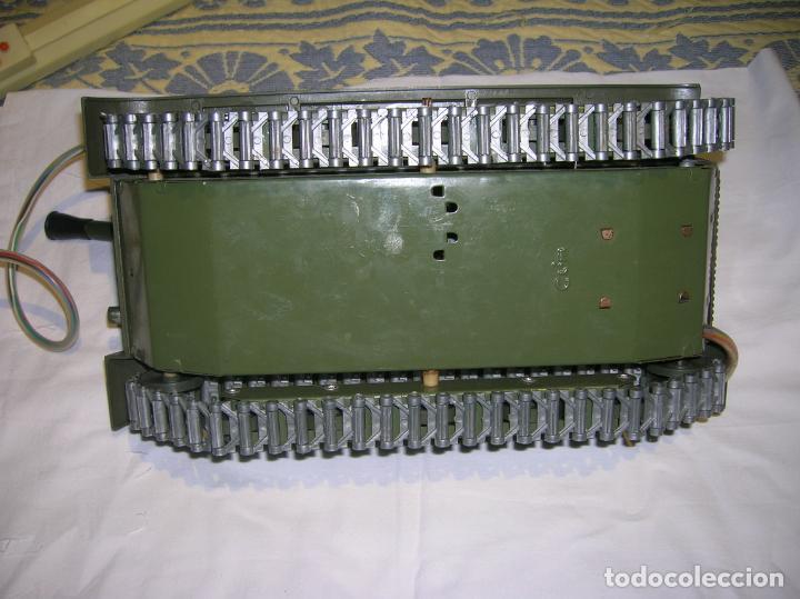 Juguetes antiguos y Juegos de colección: tanque de plastico y metal con mando y cable años 70 marca clim fabricado en españa - Foto 4 - 183699031