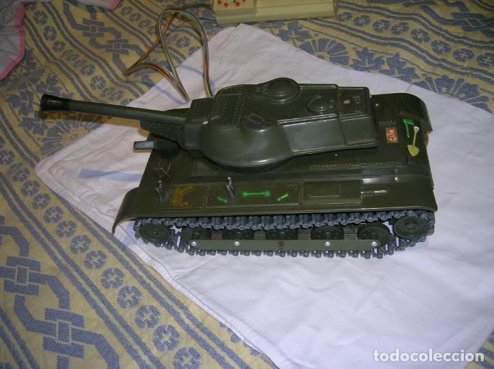 Juguetes antiguos y Juegos de colección: tanque de plastico y metal con mando y cable años 70 marca clim fabricado en españa - Foto 6 - 183699031