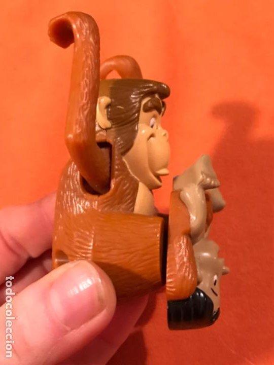 Juguetes antiguos y Juegos de colección: Mowgli juguete cuerda manual giratorio brazos mono niño 2003 juguete mac donalds libro de la selva - Foto 6 - 185731698
