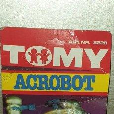 Juguetes antiguos y Juegos de colección: ROBOT ACROBOT TOMY ,1979 EN SU BLISTER MADE IN TAIWAN. Lote 186019682