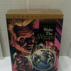 Juguetes antiguos y Juegos de colección: WAKE THE WIZARD. GAME. NUEVO. EN ESPAÑOL. LA BOLA DE CRISTAL QUE HABLA. TECHNIART. 1993. FUNCIONA.. Lote 186132945