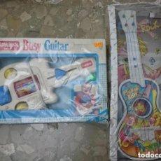 Juguetes antiguos y Juegos de colección: RAREZA COLECCIONISTAS 2 GUITARRAS JUGUETE INFANTIL AÑOS 80 90 PLAYSKOOL Y FLICKER ROCK. Lote 186171530