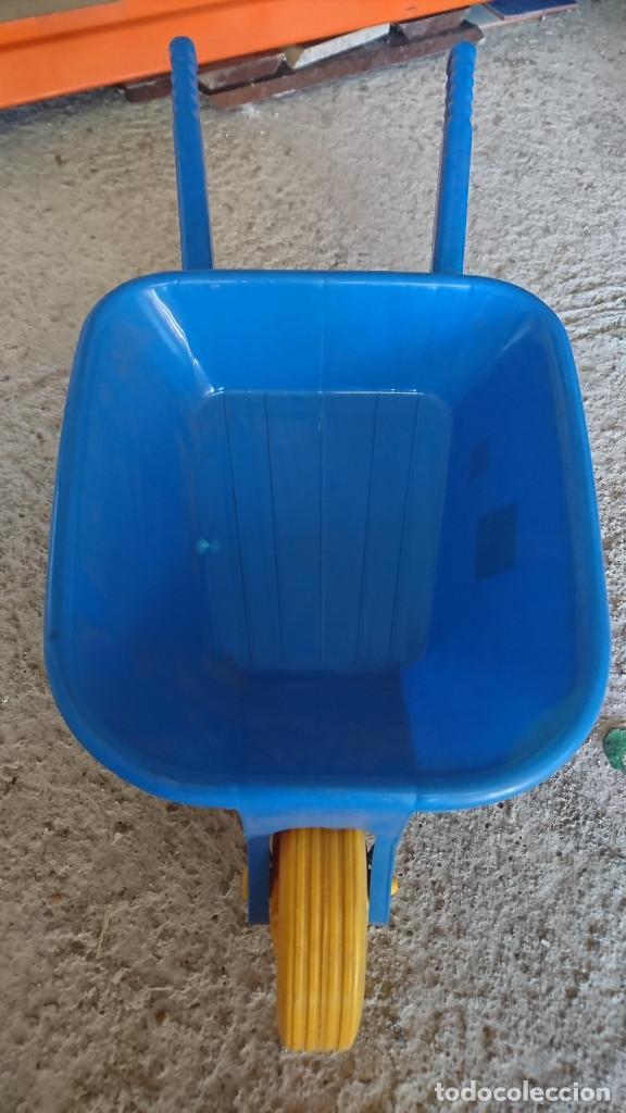 Juguetes antiguos y Juegos de colección: antigua carretilla carreta de plastico juguete clasico grande años 80 jugueteria o kiosco - Foto 2 - 186415841