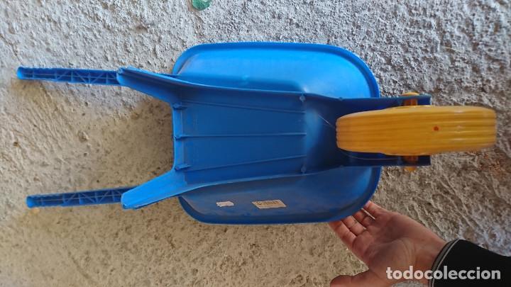 Juguetes antiguos y Juegos de colección: antigua carretilla carreta de plastico juguete clasico grande años 80 jugueteria o kiosco - Foto 3 - 186415841