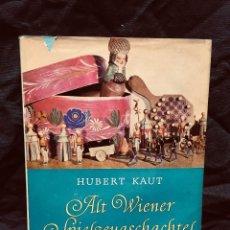 Juguetes antiguos y Juegos de colección: EL VIEJO JUGUETE ALT WIENER SPIELZEUGSCHACHTEL A COLOR BLANCO NEGRO FIGURAS MADERA MUÑECAS KAUT 61. Lote 189806561