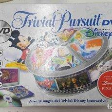 Juguetes antiguos y Juegos de colección: TRIVIAL PURSUIT DVD, DISNEY EDICION. 1800 PREGUNTAS EN TARJETAS Y MAS DE 300 EN DVD. Lote 191914067