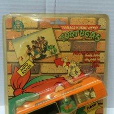 Juguetes antiguos y Juegos de colección: TORTUGAS NINJA CAMARA FOTOGRÁFICA. NUEVA EN BLISTER. 1990. REMCO TOYS. TMNT.. Lote 192666290