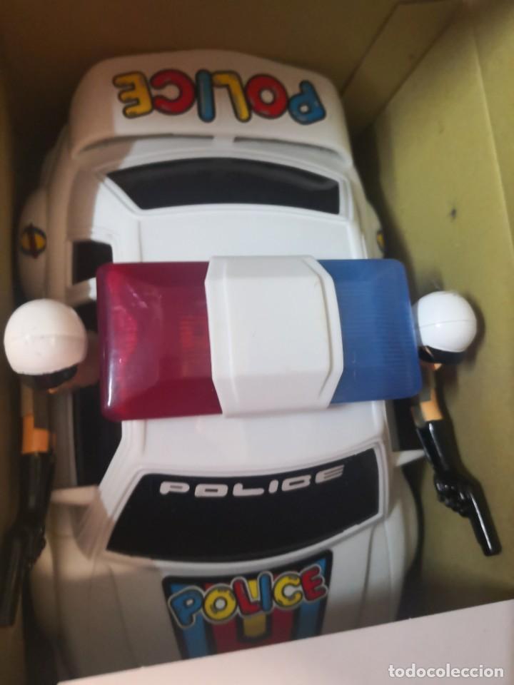 Juguetes antiguos y Juegos de colección: Coche policía juguete vintage funcionando luces y sonidos technical patrol - Foto 2 - 192685183