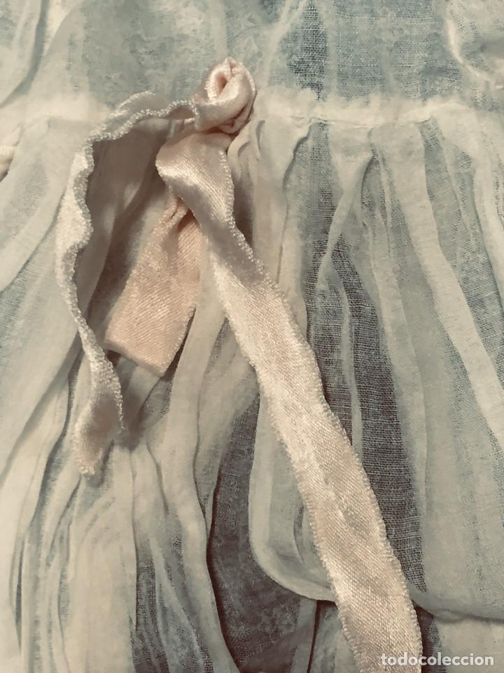 Juguetes antiguos y Juegos de colección: vestido largo gasa tul bebe cristianar puntilla lazo corchete trasero francia españa F S XIX 37x30cm - Foto 5 - 192986822