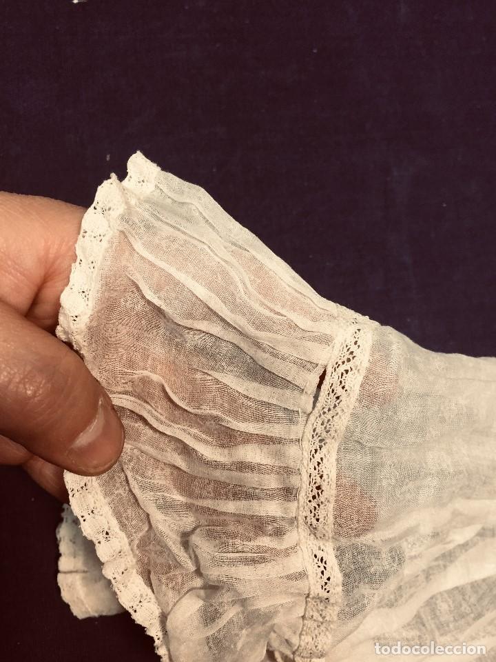 Juguetes antiguos y Juegos de colección: vestido largo gasa tul bebe cristianar puntilla lazo corchete trasero francia españa F S XIX 37x30cm - Foto 7 - 192986822