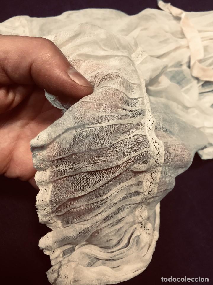 Juguetes antiguos y Juegos de colección: vestido largo gasa tul bebe cristianar puntilla lazo corchete trasero francia españa F S XIX 37x30cm - Foto 8 - 192986822