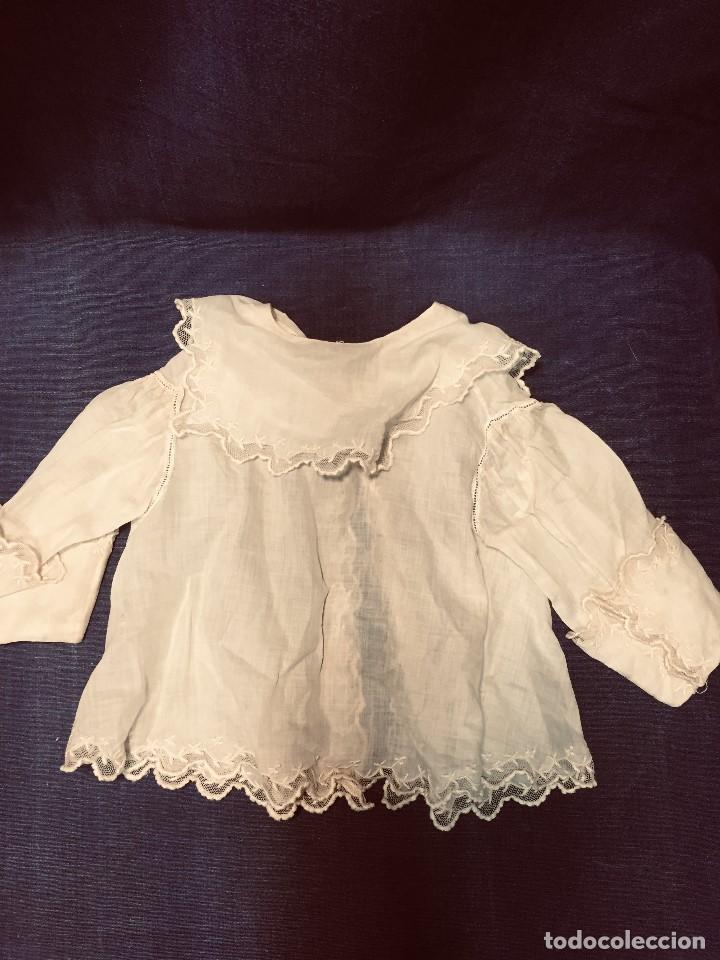 Juguetes antiguos y Juegos de colección: vestido blusa gasa tul puntilla bordado motivos florales boton francia españa F S XIX 28x23cm - Foto 2 - 193018343
