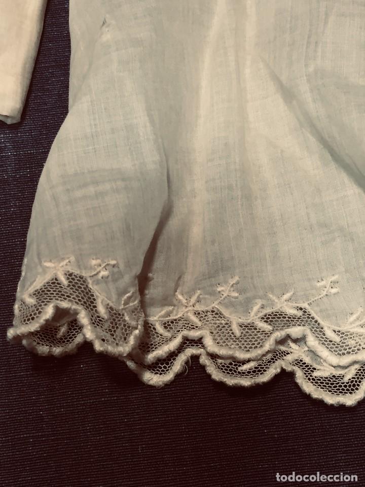 Juguetes antiguos y Juegos de colección: vestido blusa gasa tul puntilla bordado motivos florales boton francia españa F S XIX 28x23cm - Foto 7 - 193018343