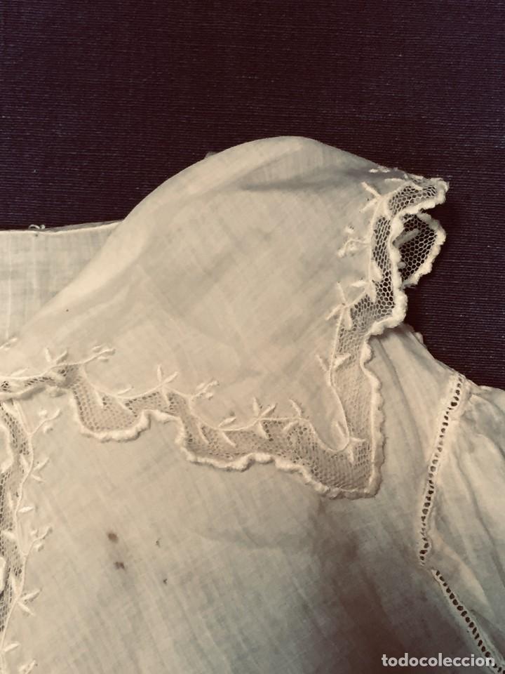 Juguetes antiguos y Juegos de colección: vestido blusa gasa tul puntilla bordado motivos florales boton francia españa F S XIX 28x23cm - Foto 10 - 193018343
