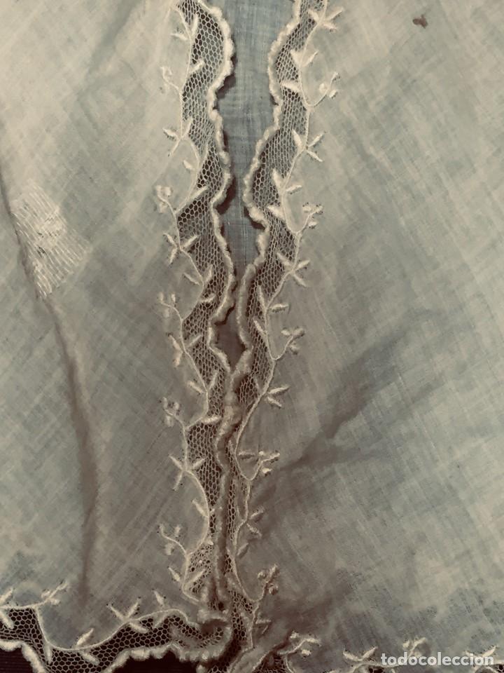 Juguetes antiguos y Juegos de colección: vestido blusa gasa tul puntilla bordado motivos florales boton francia españa F S XIX 28x23cm - Foto 13 - 193018343