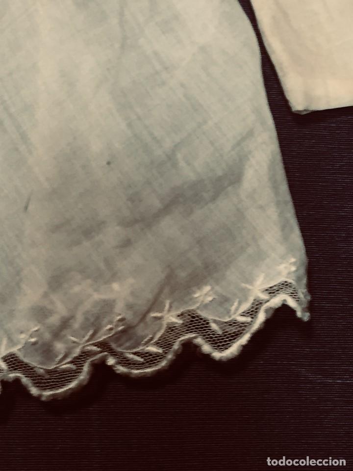 Juguetes antiguos y Juegos de colección: vestido blusa gasa tul puntilla bordado motivos florales boton francia españa F S XIX 28x23cm - Foto 15 - 193018343