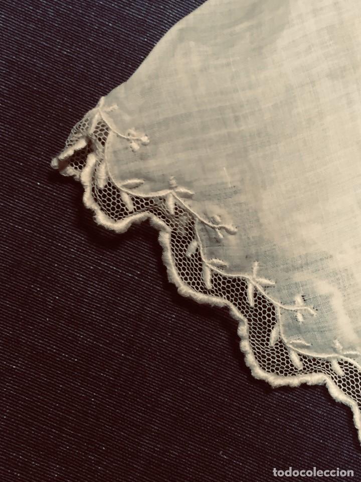 Juguetes antiguos y Juegos de colección: vestido blusa gasa tul puntilla bordado motivos florales boton francia españa F S XIX 28x23cm - Foto 16 - 193018343