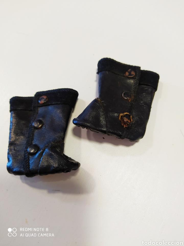 Juguetes antiguos y Juegos de colección: Antiguas botas de piel de muñecas - Foto 2 - 194004468