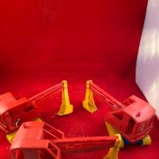 Juguetes antiguos y Juegos de colección: LOTE DE 3 EXCAVADORAS PLÁSTICO. Lote 194061090