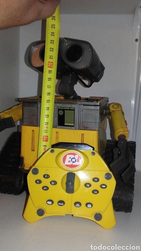 Juguetes antiguos y Juegos de colección: ROBOT WALL-E - Foto 2 - 194316303