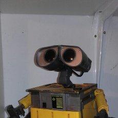 Juguetes antiguos y Juegos de colección: ROBOT WALL-E. Lote 194316303