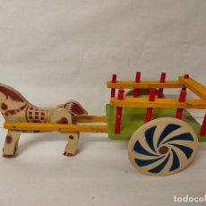 Juguetes antiguos y Juegos de colección: CARRO DE MADERA CON CABALLO. DENIA AÑOS 50. NO JUGADO. Lote 194599618