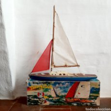 Juguetes antiguos y Juegos de colección: ANTIGUO BARCO DE VELA / BALANDRO NAVEGABLE DE GINER / 50CM. Lote 194716790