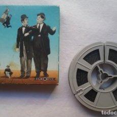 Juguetes antiguos y Juegos de colección: EL GORDO Y EL FLACO LAUREL & HARDY CINE PELÍCULA PLACIERS FILM OFFICE LES MEILLEURS SKETCHES . Lote 194728095