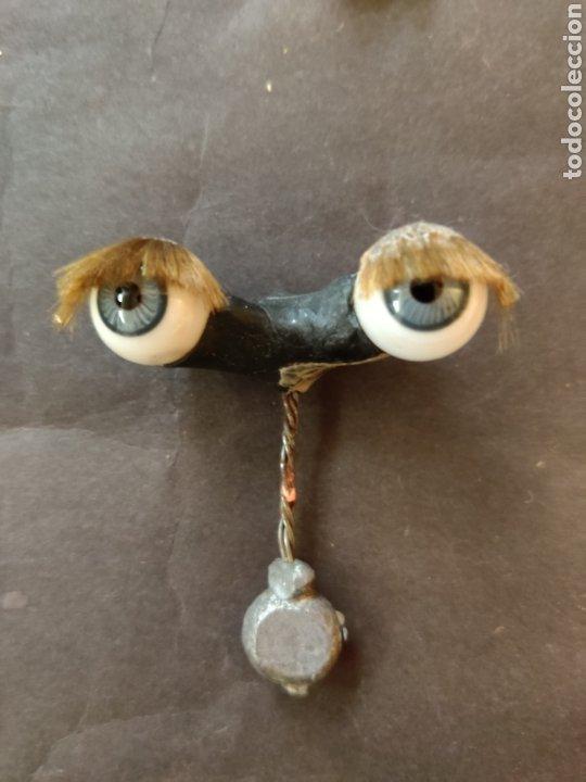 Juguetes antiguos y Juegos de colección: Ojos azules antiguos de cristal durmientes - Foto 2 - 194878295