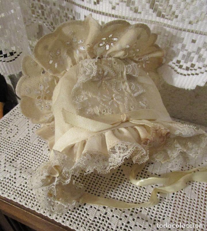 ANTIGUO Y PRECIOSO SOMBRERO GORRO CAPOTA PARA MUÑECA (Juguetes - Vestidos y Accesorios Muñeca Extranjera Antigua)