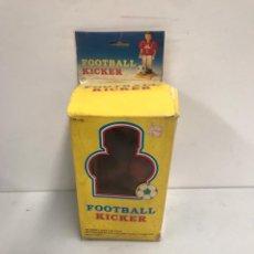 Juguetes antiguos y Juegos de colección: FOOTBALL KICKER. Lote 194895618
