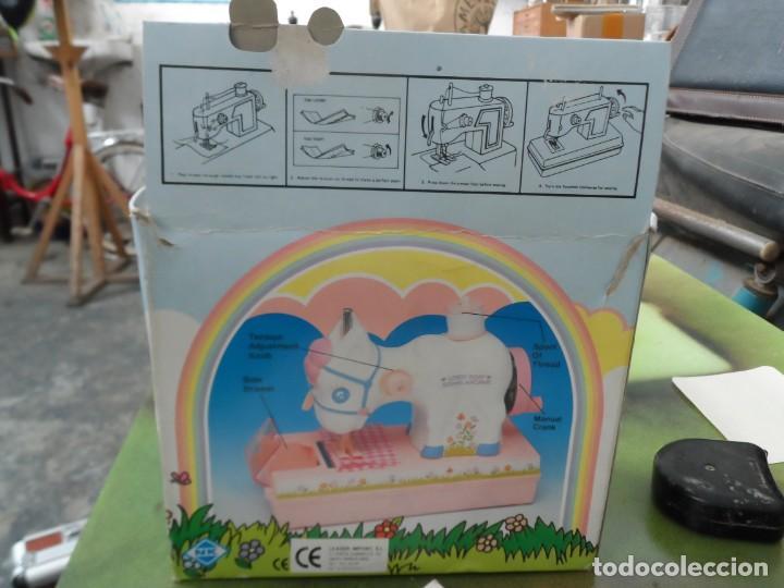 Juguetes antiguos y Juegos de colección: maquina de coser en forma de caballo lovely pony sewin machine - Foto 2 - 195361243