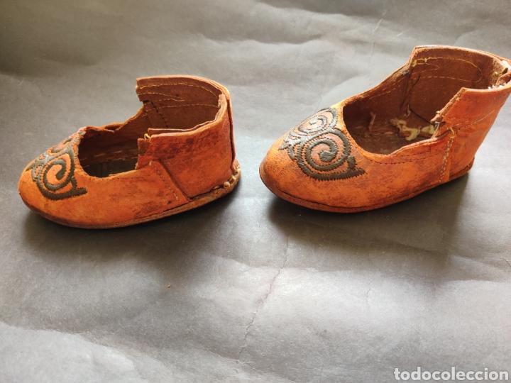 Juguetes antiguos y Juegos de colección: Zapatos antiguos de piel para muñeca grande - Foto 4 - 199368098