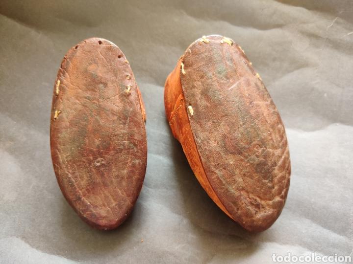 Juguetes antiguos y Juegos de colección: Zapatos antiguos de piel para muñeca grande - Foto 5 - 199368098