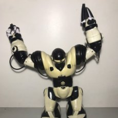 Juguetes antiguos y Juegos de colección: ROBOT MULTIFUNCIÓN INTERACTIVO. Lote 209260993