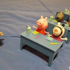 Juguetes antiguos y Juegos de colección: COLEGIO PEPPA PIG. Lote 209764521
