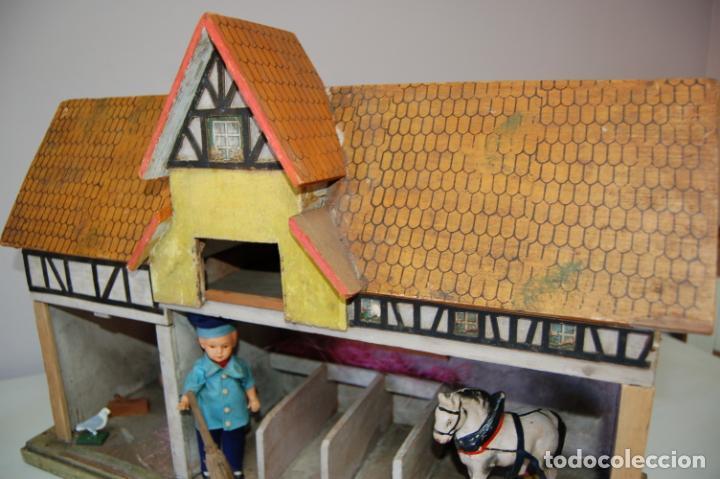 Juguetes antiguos y Juegos de colección: establo de muñecas alemán antiguo - Foto 2 - 210667346