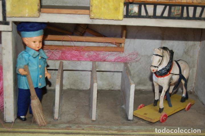 Juguetes antiguos y Juegos de colección: establo de muñecas alemán antiguo - Foto 5 - 210667346