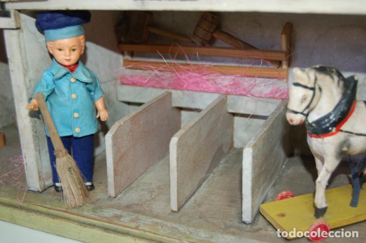 Juguetes antiguos y Juegos de colección: establo de muñecas alemán antiguo - Foto 6 - 210667346