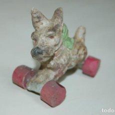Brinquedos antigos e Jogos de coleção: PERRITO CON RUEDAS PARA MUÑECAS. Lote 212380107