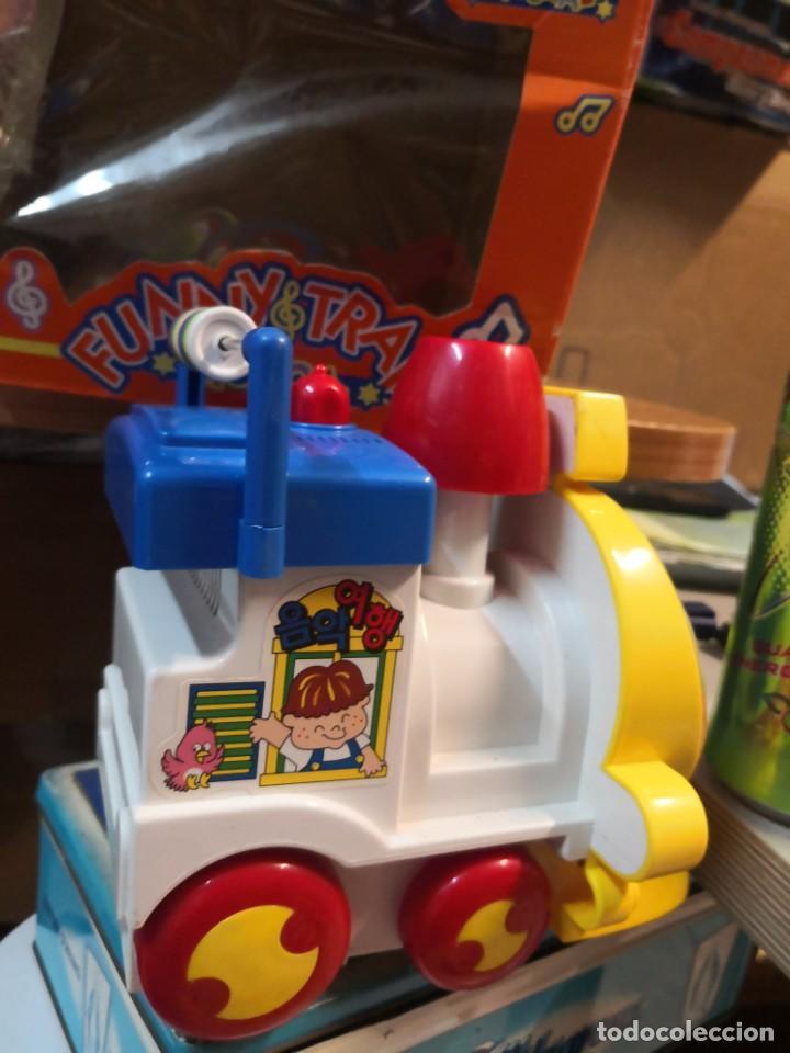 Juguetes antiguos y Juegos de colección: Juguete Tren musical. Funny Train musical en su caja - Foto 3 - 215936161