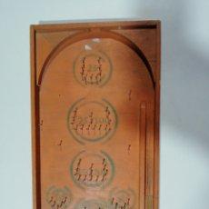 Juguetes antiguos y Juegos de colección: ANTIGUO PINBALL DE MADERA. Lote 217531793