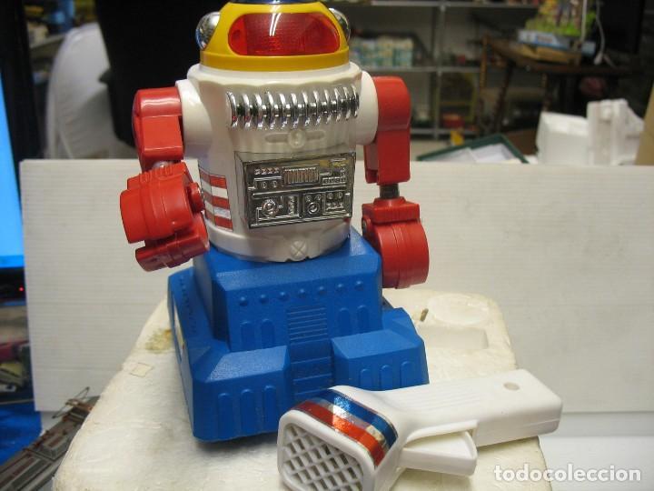 ROBOT ELECTRONIC SONIC CON CONTROL A DISTANCIA SOMA (Juguetes - Varios)