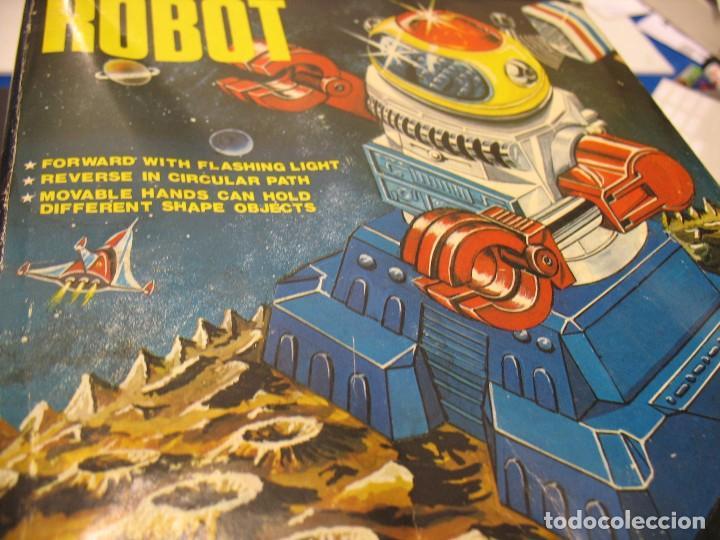 Juguetes antiguos y Juegos de colección: robot electronic sonic con control a distancia soma - Foto 2 - 217826120